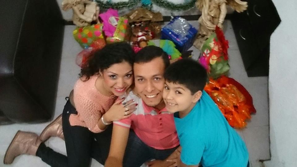 mensaje de navidad - familia navidad angeles